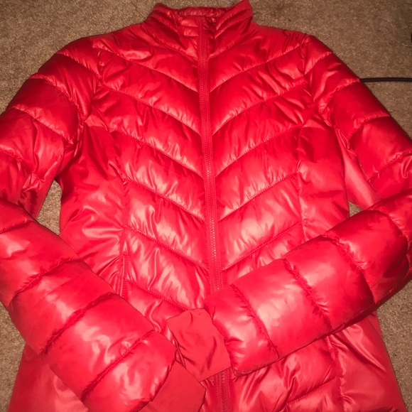 048a90120 Red Bubble coat